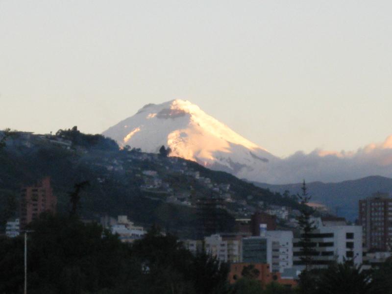 Vue sur le volcan Cotopaxi depuis Quito, Equateur - Trace Ta Route - Blog voyage