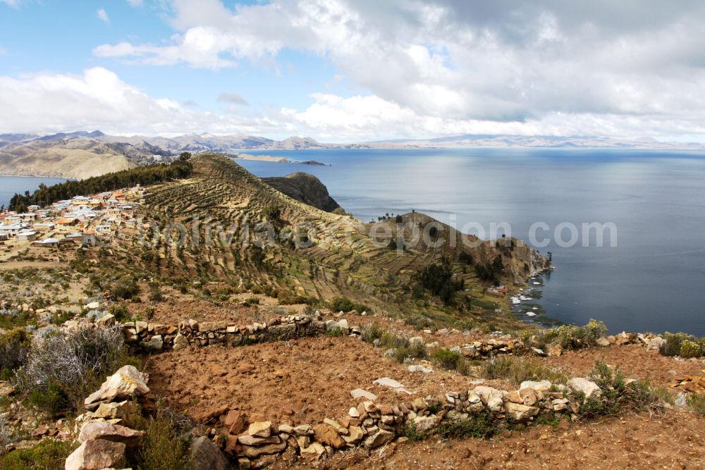 superbe paysage du lac Titicaca en Bolivie - blog voyage trace ta route