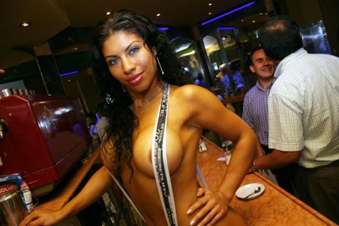femme nue santiago café blog voyage trace ta route