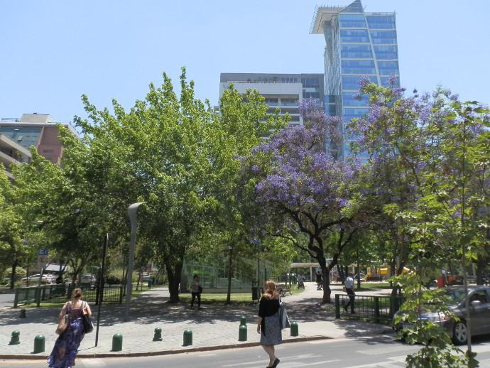 parc barrio el golf santiago chili blog voyage trace ta route