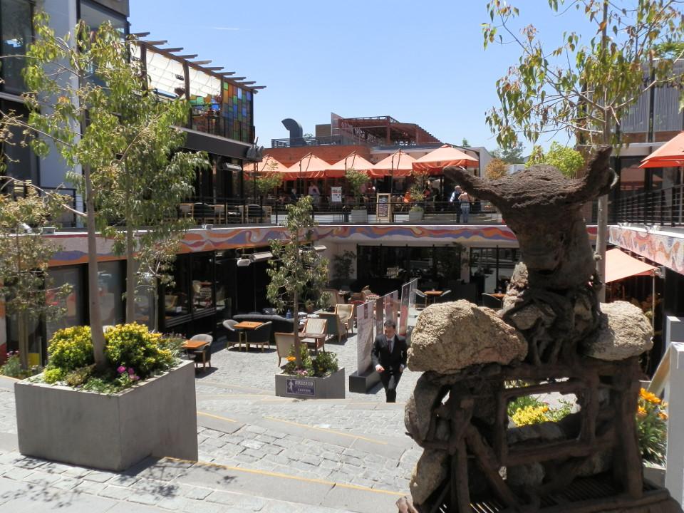 que faire que voir à santiago, patio bellavista - blog voyage trace ta route