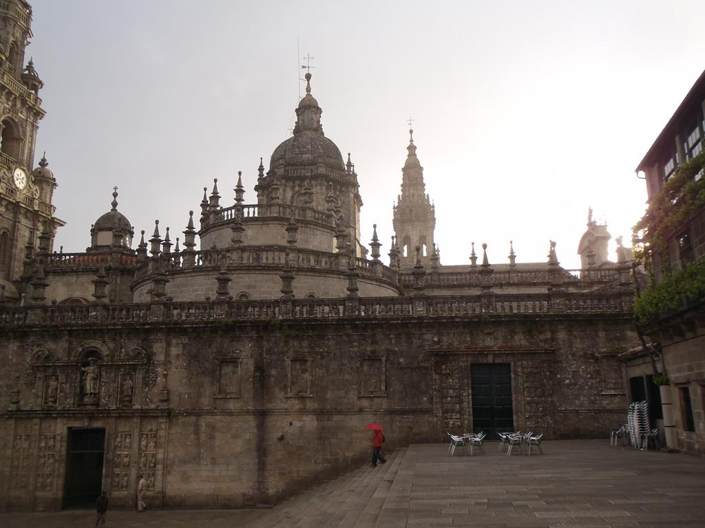 Esplanade derrière la cathédrale de Saint Jacques de Compostelle