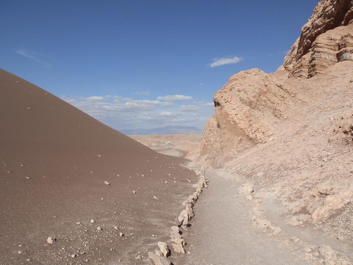 dune chemin vallée de la lune san pedro de atacama blog voyage trace ta route