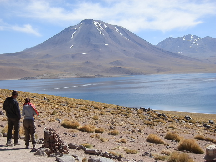 lagunas altiplanicas san pedro de atacama miscnati couple montagne volcan blog voyage trace ta route