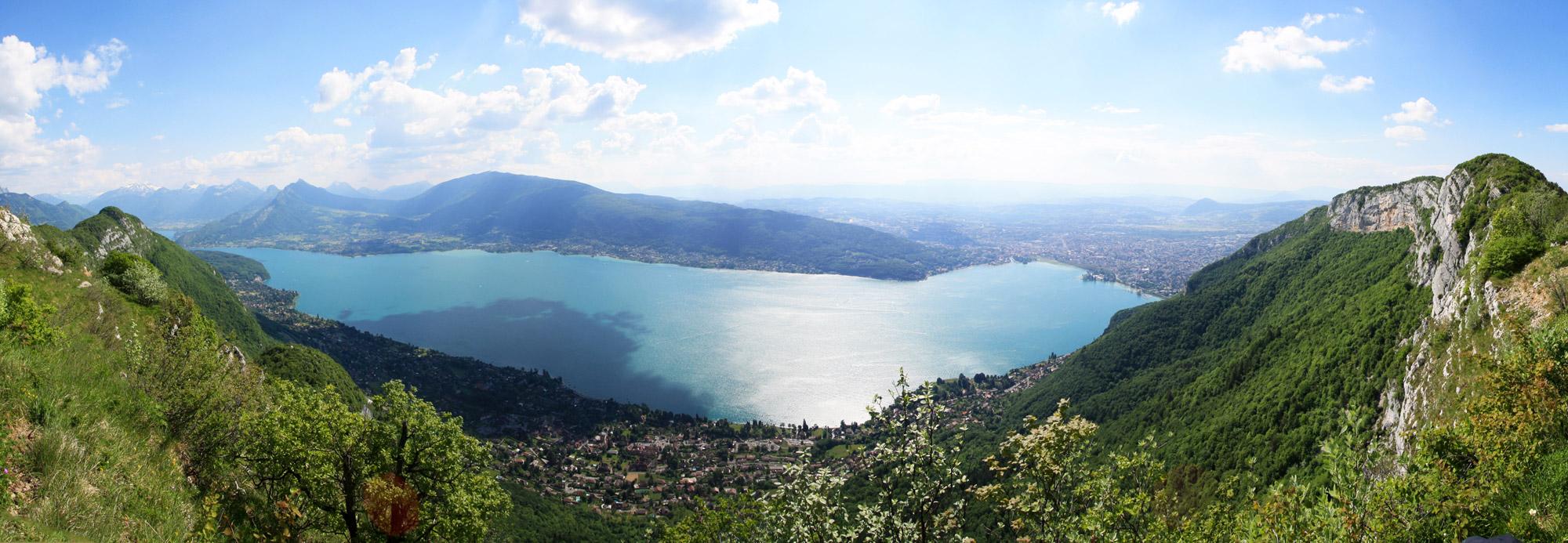 Le Lac d'Annecy depuis le Mont Baron