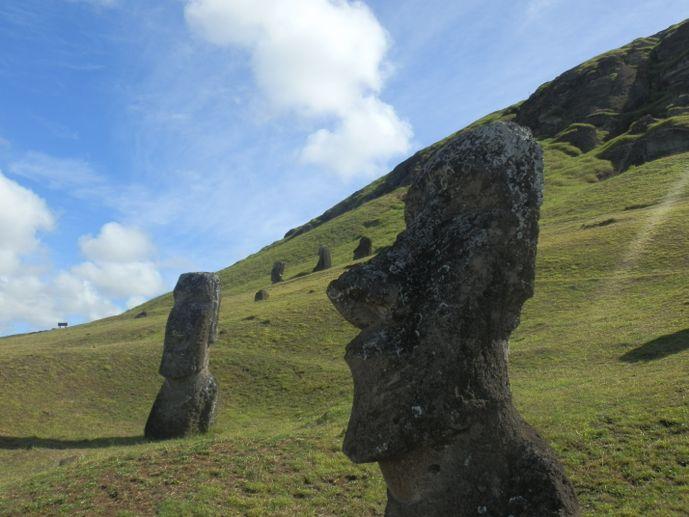 tête rano raraku moaï île de pâques blog voyage trace ta route
