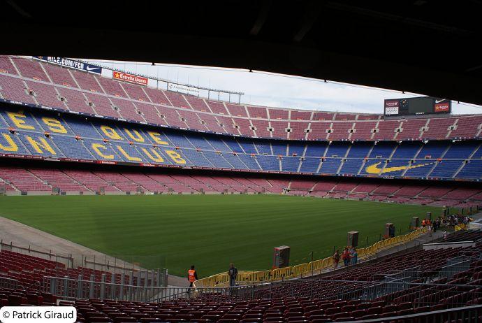 stade du camp nou incontournable séjour d'une semaine à barcelone - blog voyage trace ta route
