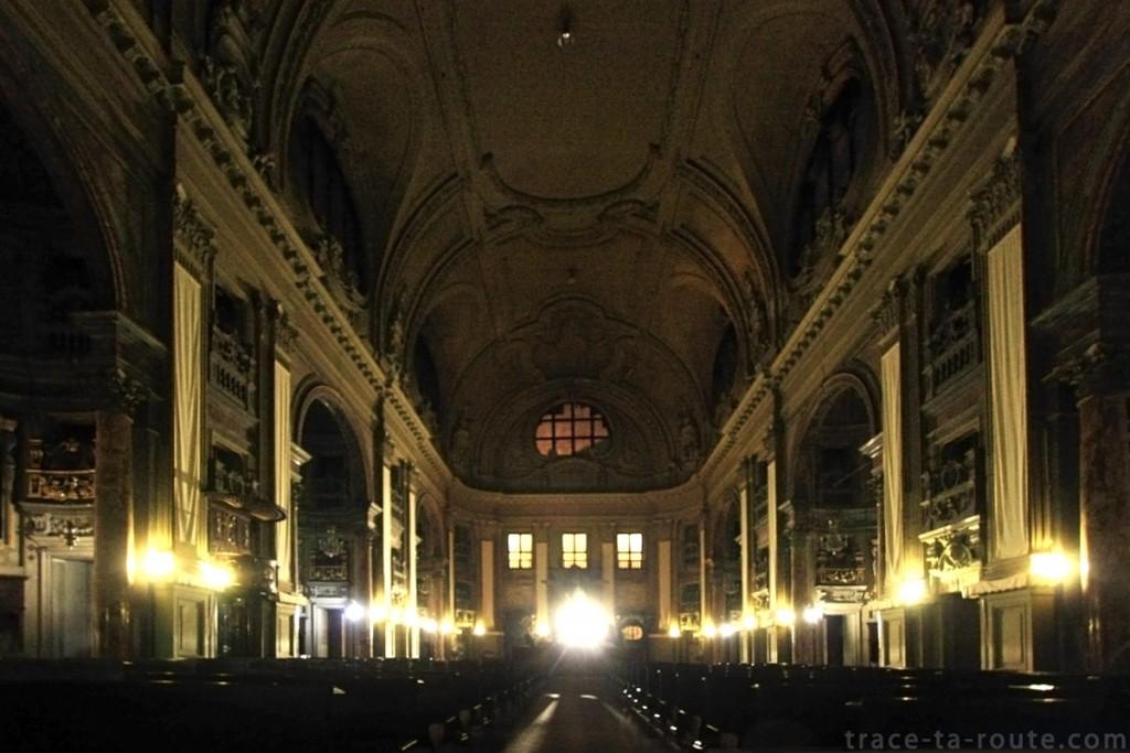 Nef de l'Eglise San Filippo Neri de Turin