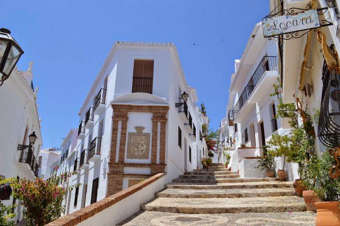 escalier frigiliana costa del sol - blog voyage Trace Ta Route