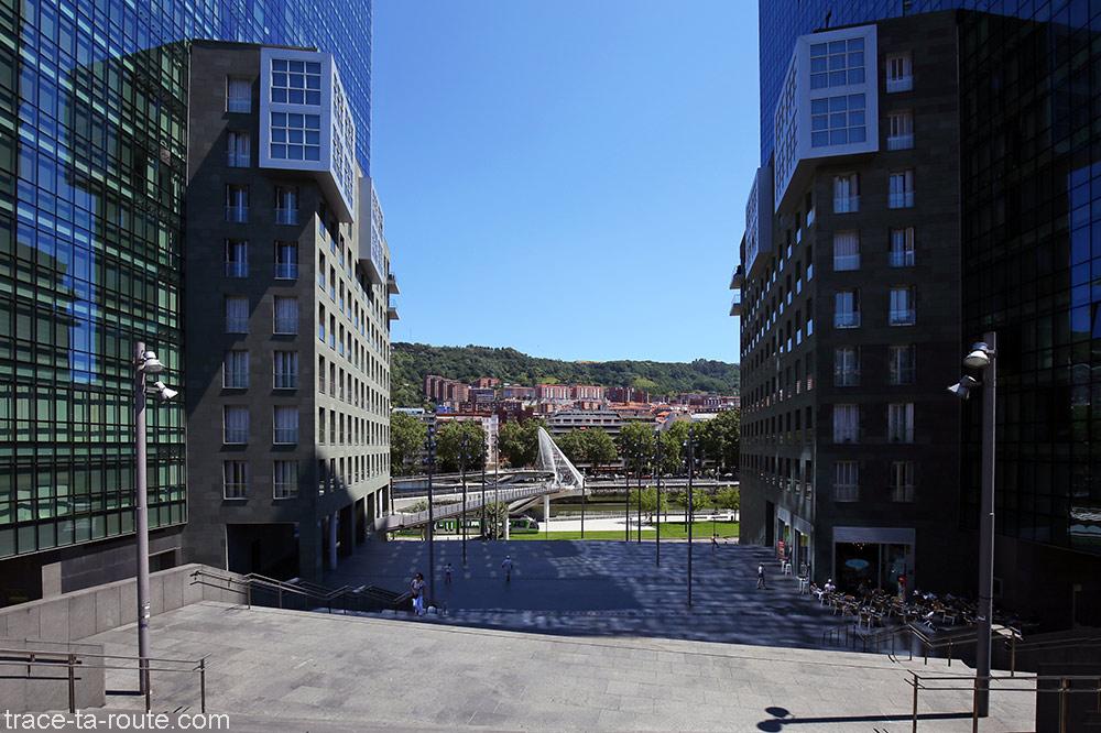 Isozaki Atea et Zubizuri à Bilbao