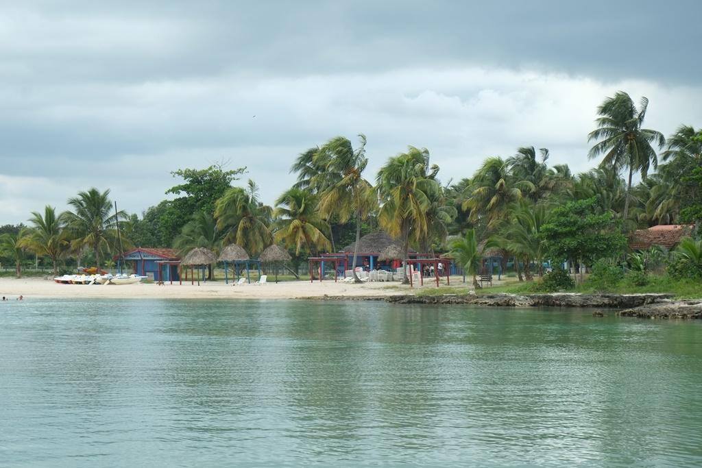 plage - mer des caraibes - circuit à Cuba