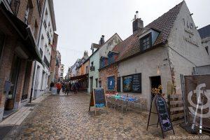Rue des Renards, Quartier des Marolles, Bruxelles (Terrasse Le Renard Bleu)