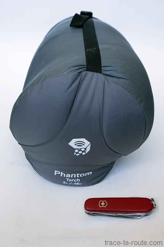 Test sac de couchage phantom torch 3 mountain hardwear for Housse de compression sac de couchage