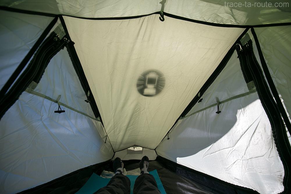 test bivouac venteux avec la tente aravis 2 coleman blog outdoor trace les cimes. Black Bedroom Furniture Sets. Home Design Ideas