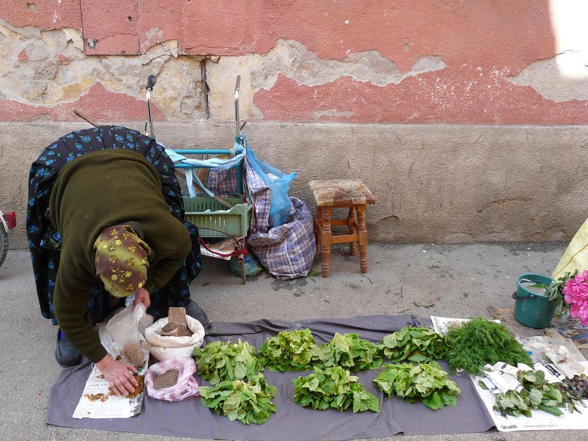 Vendeuse - Marché en Roumanie