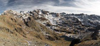 La Grande Lance de Domène, le Grand Pic de Belledonne, les Pointes de Jasse Bralard et le Lac Merlat depuis le sommet du Grand Colon