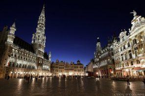 Grand-Place de Bruxelles la nuit (Grote Markt) : Hôtel de ville, Maison du roi... © L'Oeil d'Édouard