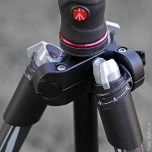 Trépied Befree Manfrotto - boutons verrouillage des jambes