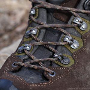 Test chaussures de randonnée LOWA Ticam II GTX lacets billes poulies