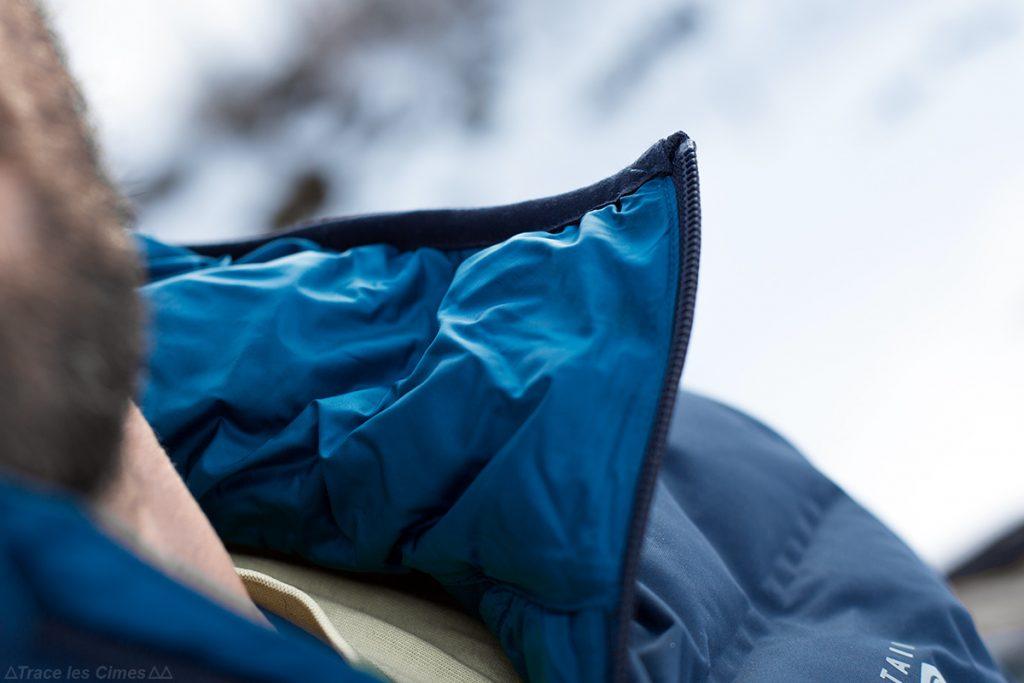 Intérieur capuche menton fermeture zip col Doudoune Stretchdown Plus Hooded Jacket Mountain Hardwear