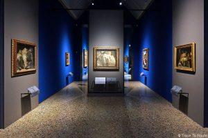 """""""Lamentation sur le Christ mort"""" (1470-1474) Andrea MANTEGNA - Salle exposition musée Pinacothèque de Brera, Milan"""