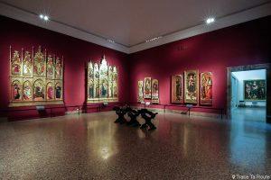 Salle exposition Musée Pinacothèque de Brera de Milan - Peintures XVe siècle CRIVELLI