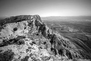 Vue depuis la Croix de Provence, sommet de la Montagne Sainte-Victoire : Le Signal