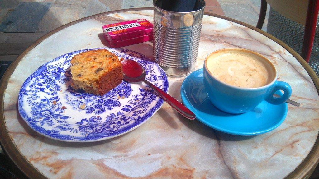 Corse-ajaccio-café-caffittera-rue-stephanopoli-carotte-cake