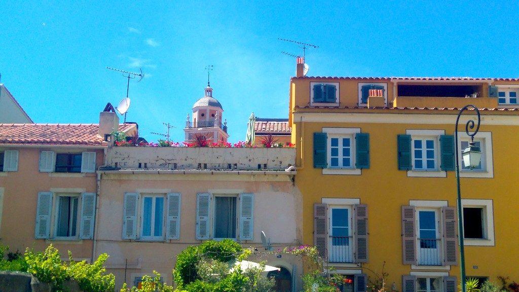 Corse-ajaccio-dans-les-rues