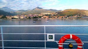 Corse-arrivée-bateau-ile-rousse
