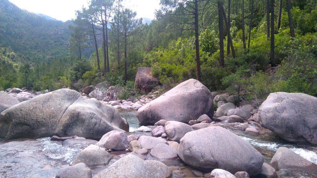 Corse-mareemonti-calenzana-etape-1-pause-rivières