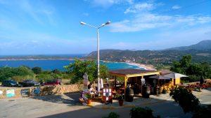 Vue de l'Hôtel le Saint Jean, à Cargèse, Corse, après 9 jours de marche sur le Mare e Monti