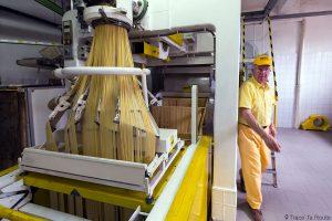 Gastronomie Toscane, Italie - Pâtes Spaghetti, machine fabrication artisanale de pasta Martelli, Lari (Valdera)