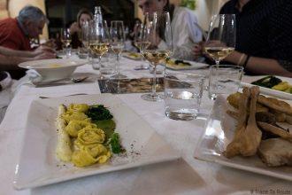 Gastronomie Toscane, Italie - Ravioli à la morue - Table restaurant La Piccola Lanterna, Pontedera (Valdera)