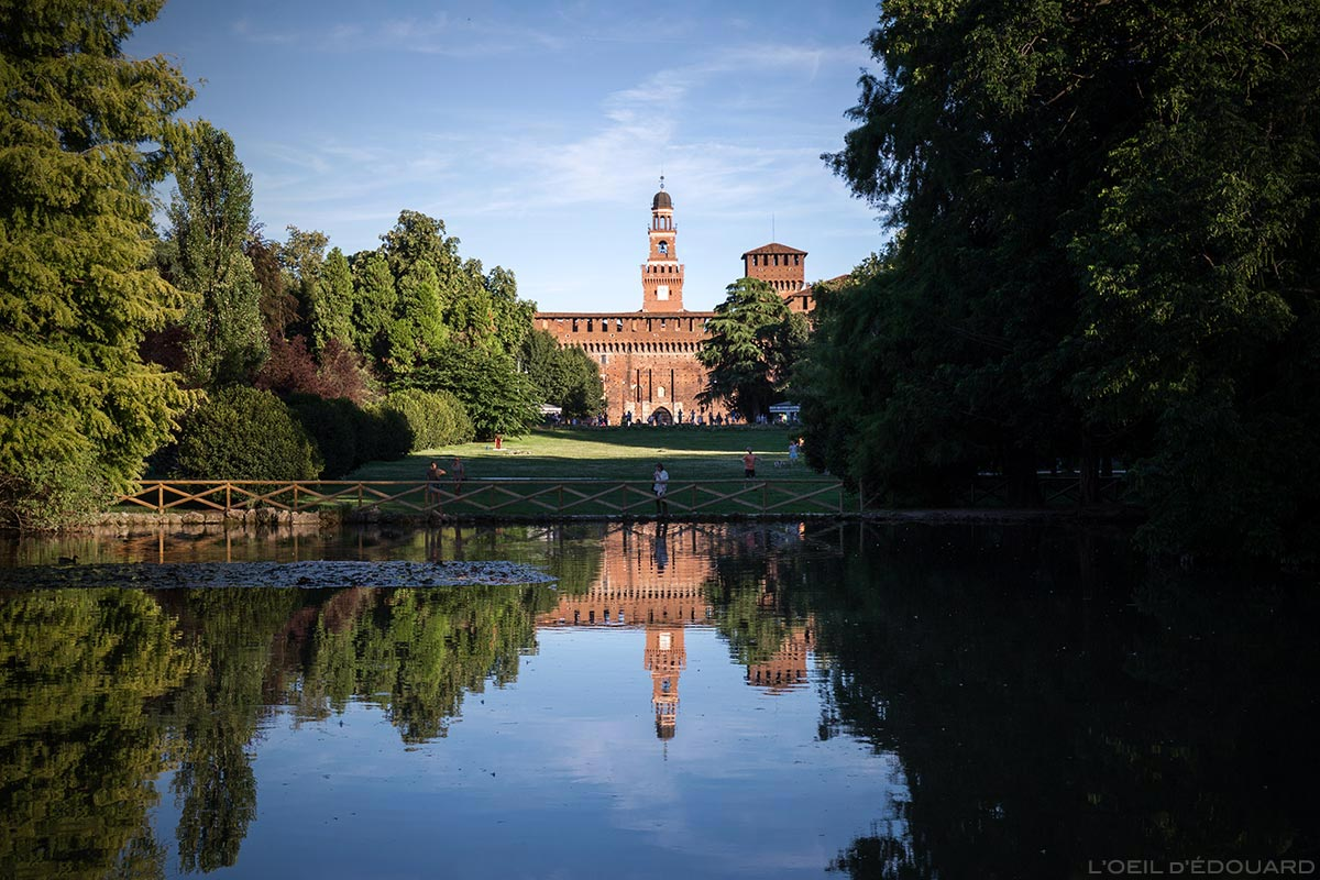 Castello Sforzesco di Milano - Le Château médiéval Sforza depuis le Parco Sempione à Milan © L'Oeil d'Édouard