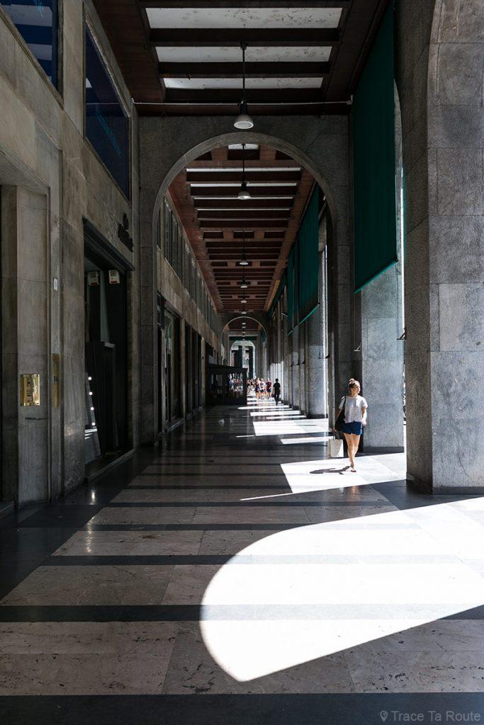 Rue couverte de Milan : Arcades Piazza Filippo Meda, Milano