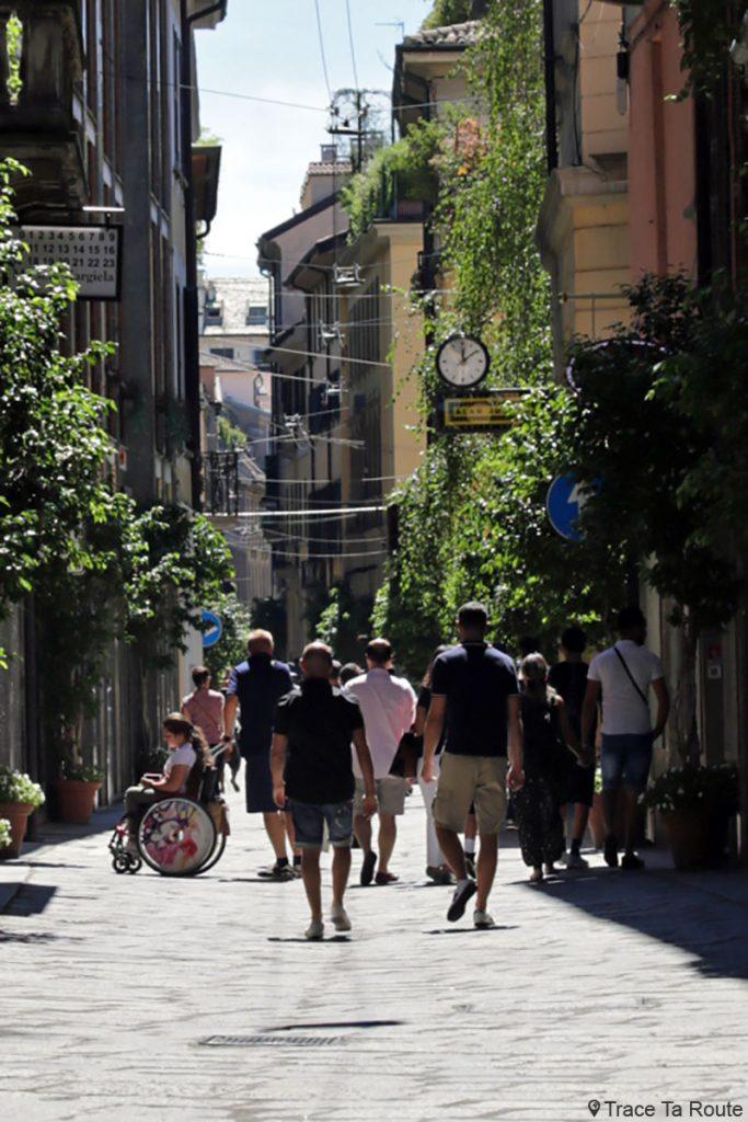 Rue Via della Spiga, Quadrilatère d'Or de Milan - Quadrilatero della Moda di Milano