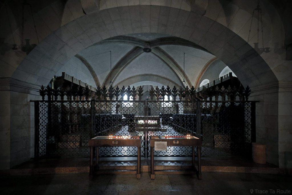 Relique corps de Saint-Zénon dans la crypte de la Basilique San Zeno de Vérone - Basilica San Zeno Maggiore di Verona