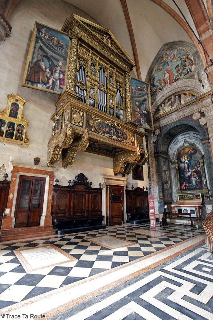 Orgue peint par Biagio Falcieri et Chapelle Maffei, Intérieur Cathédrale Santa Maria Matricolare de Vérone - Duomo di Verona