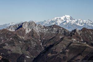 L'Arcalod et le Mont Blanc, vue au sommet du Mont Colombier, Massif des Bauges Savoie © L'Oeil d'Édouard
