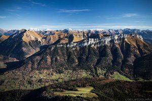 Le Pécloz et l'Arclusaz, vue au sommet du Mont Colombier, Massif des Bauges Savoie © L'Oeil d'Édouard