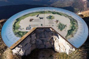 Table d'orientation à la Dent de Rossanaz, Massif des Bauges Savoie