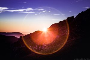 Halo de lumière Coucher de soleil au Mont Colombier, Massif des Bauges Savoie © L'Oeil d'Édouard