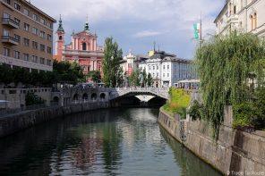 Tromostovje, le triple pont de Ljubljana sur la rivière Ljubljanica, Slovénie - Slovenia / Slovenija