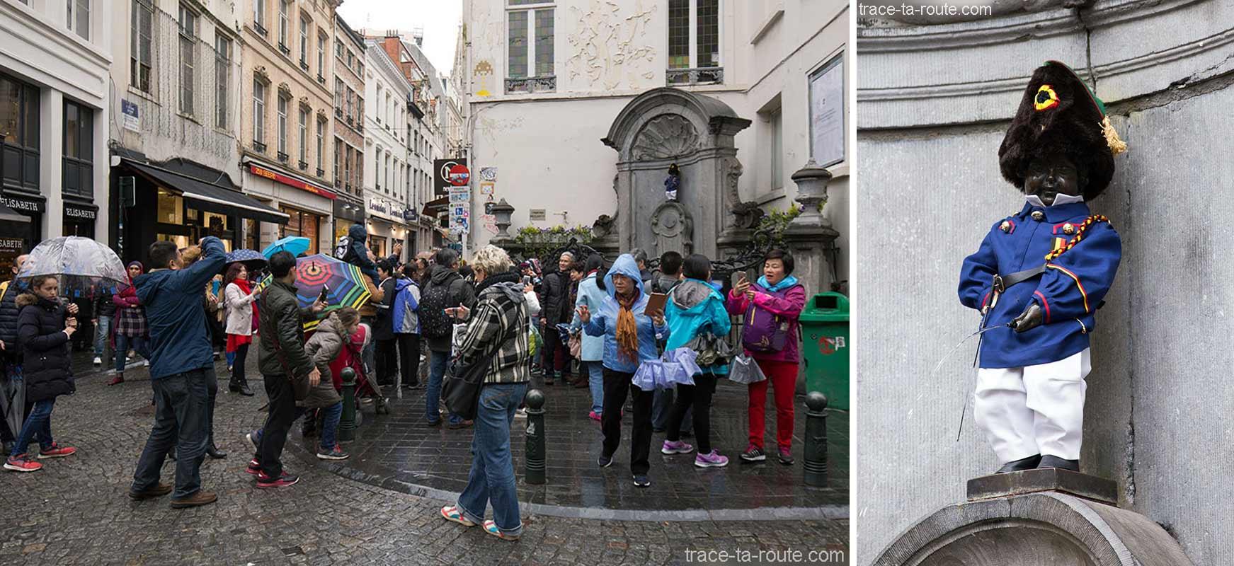 La statue Manneken Pis à Bruxelles, Belgique (déguisé avec costume) - Brussels, Belgium