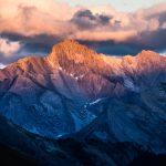 Coucher de soleil en montagne sur la Tête de Longet depuis le Refuge de Furfande - Queyras, Hautes-Alpes © L'Oeil d'Édouard