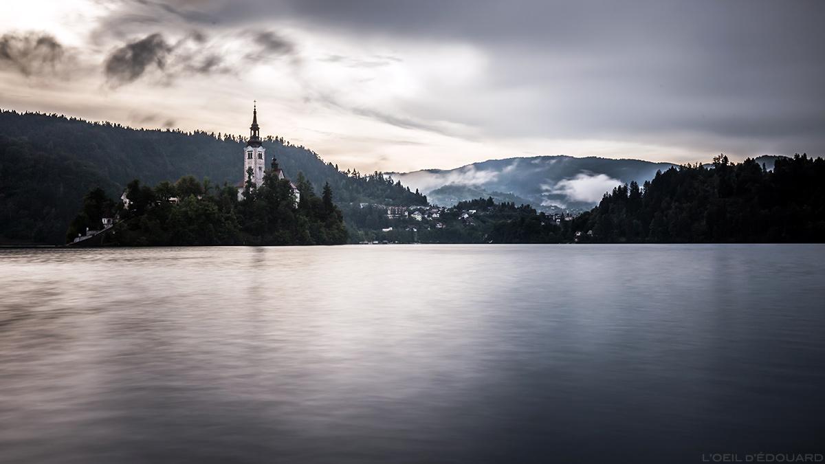 L'Île du Lac de Bled avec l'Église de l'Assomption Cerkev Marijinega Vnebovzetja, Slovénie - Blejsko jezero, Slovenia