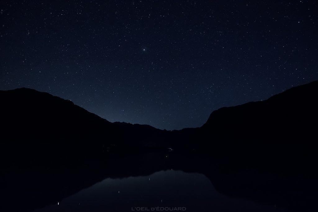 Étoiles dans le ciel du Lac de Bohinj de nuit, Slovénie - Bohinj Lake, Slovenia / Bohinjsko jezero, Slovenija