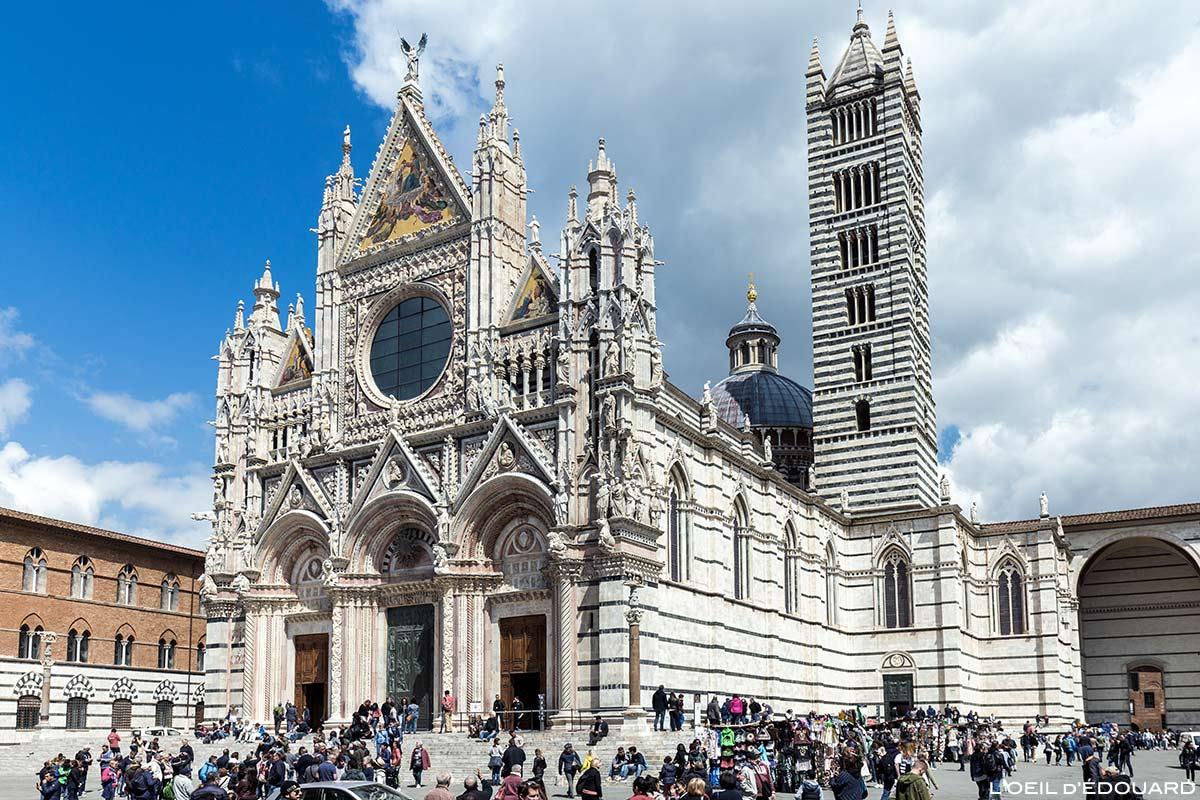 Voyage en italie top 10 des villes incontournables for Facade terre de sienne