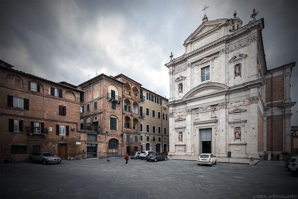 Visite de Sienne : église Insigne Collegiata di Santa Maria in Provenzan, Piazza Provenzano, Siena